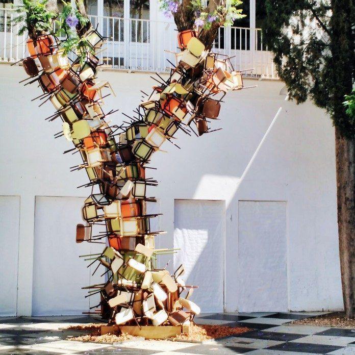 Installation by Isidro López-Aparicio / 2385