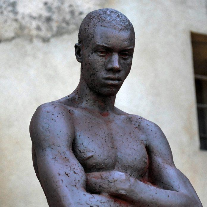 Sculpture by Eudald de Juana Gorriz / 6489