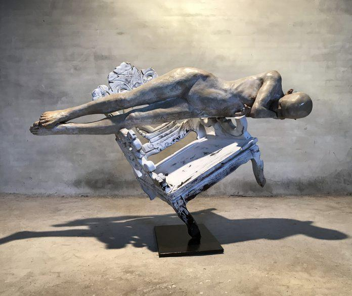 Sculpture by Chen-Shun, Lin / 9351
