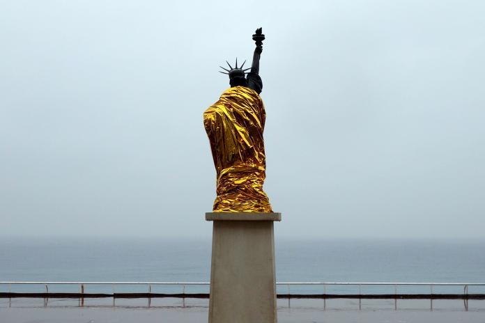 Sculpture by Laurent Lacotte / 13315