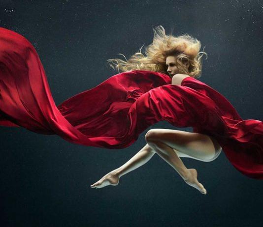 Women / Female Photography by Zena Holloway / Artist 10075
