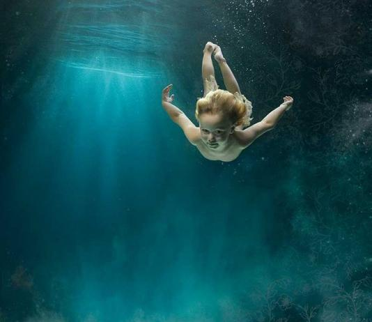 Underwater Photography by Zena Holloway / Artist 10083