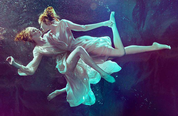 Photography by Zena Holloway / 10082